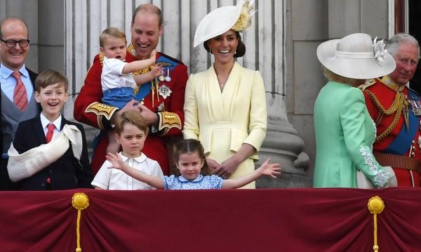 Принц Джордж стана на 7 г., показаха нови негови снимки