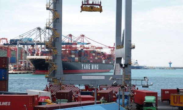 Гърция възстановява икономиката си с приватизация на пристанища