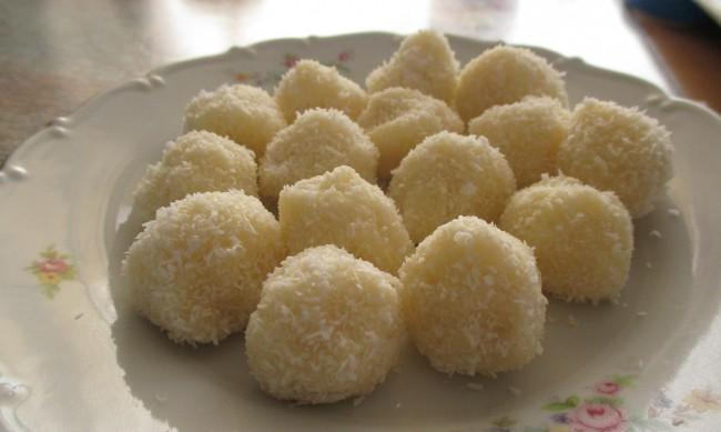 Рецептата Dnes: Домашни бонбони Рафаело
