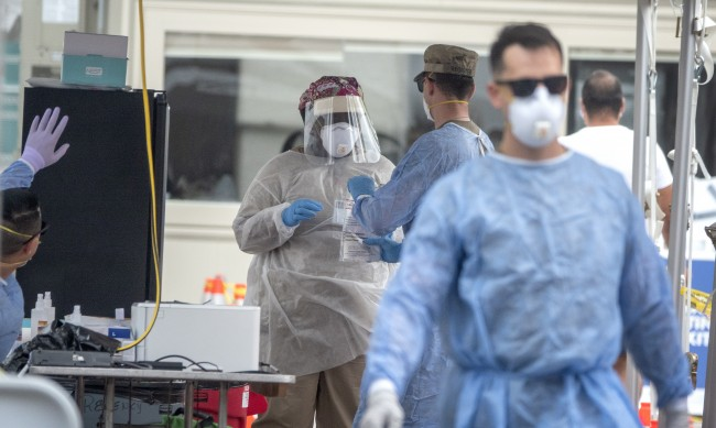 САЩ регистрираха над 4 милиона случая на коронавирус
