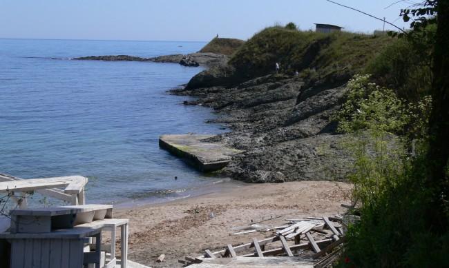 Бутат огради и постройки, които пречат на достъпа до морето в Буджака