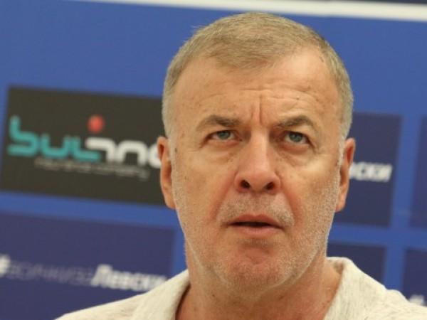 Легендата и мажоритарен собственик на Левски Наско Сираков вече е