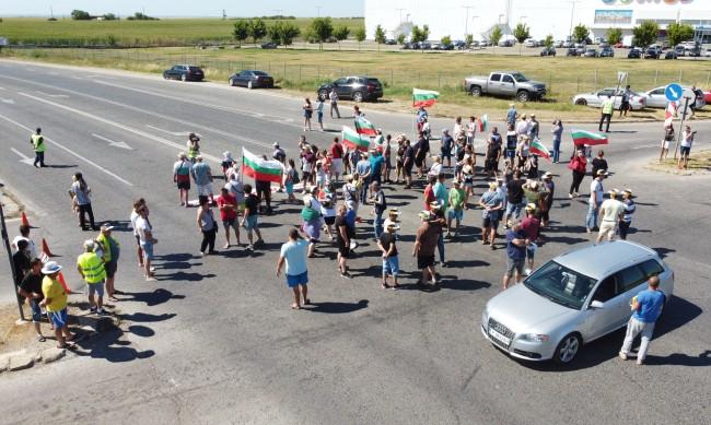 Протест блокира пътищата Русе-Варна и Русе-Кубрат