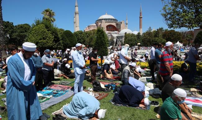 "Анкара осъди ""провокативните призиви"" на гръцките власти"