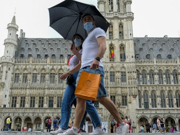 Нови мерки за спиране на разпространението на коронавируса влязоха в