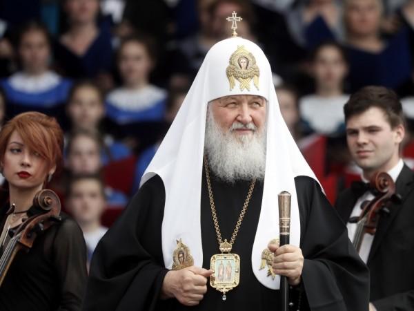 Патриарх Кирил благослови игуменка да продаде S-класата си. Патриархът на
