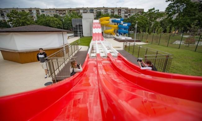 Аквапаркът в София отваря - басейни, водни пързалки