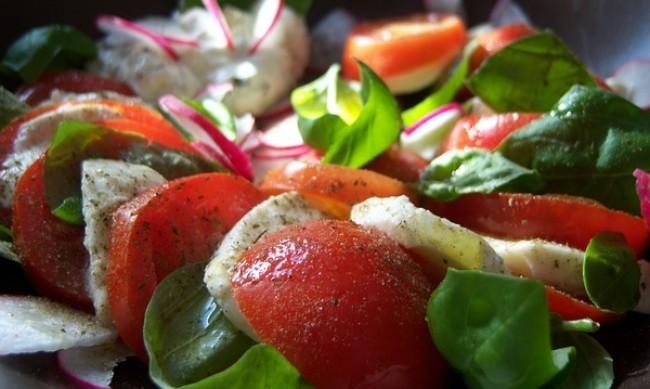 "Рецептата Dnes: Салата ""Капрезе"" с авокадо"
