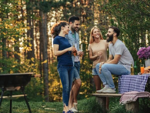 Лятото е сезонът на забавленията, хубавите емоции и доброто настроение.