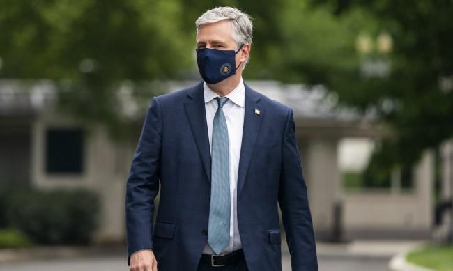 Съветникът по националната сигурност към Белия дом е с COVID-19