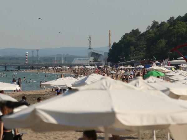 От днес, 28 юли, туристи от 10 държави ще влизат