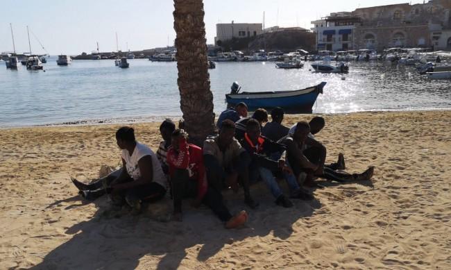 Италия изпраща армията си срещу мигрантите в Сицилия