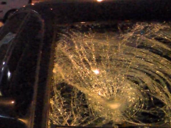 Скандал между мъж и жена е приключил със счупени стъкла