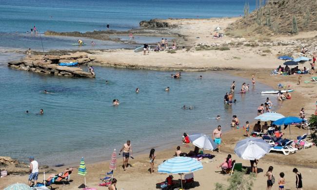 Кипър ни налага карантина от 1 август като рискова страна