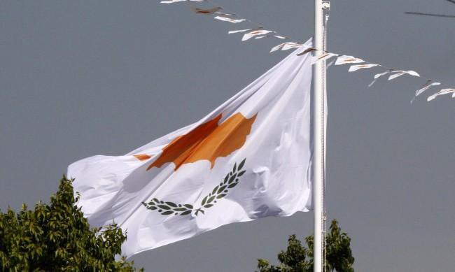 Българин с коронавирус вдигна полицията в Кипър на крак
