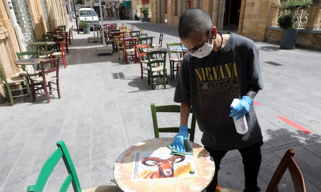 Двуцифрен брой с коронавирус в Кипър за първи път от 3 месеца