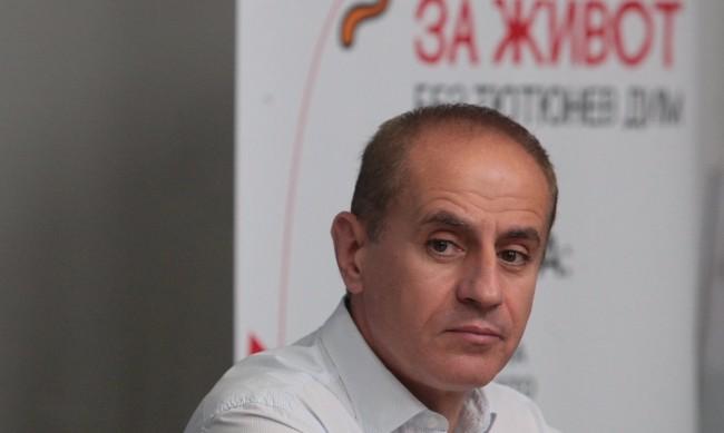 Кметът на Кюстендил под карантина заради болен в семейството му