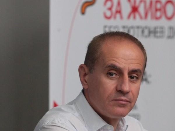 Кметът на Кюстендил Петър Паунов се е самоизолирал заради положителен