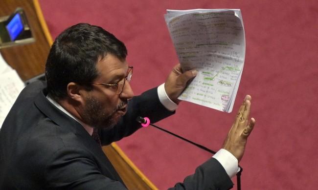В Италия пращат Матео Салвини на съд заради имигрантите