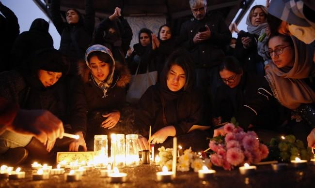Иран ще изплати обезщетение за сваления украински самолет