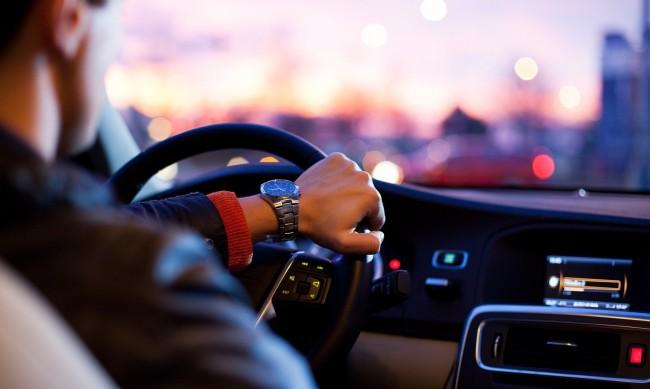 Каква кола можете да си купите за 1000 лева в САЩ и в България?