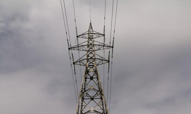ЧЕЗ откри мащабна кражба на ток в столичен квартал