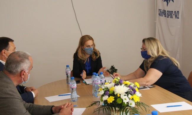 Николова: Щетите в туризма са огромни, трудно ще се преодолеят