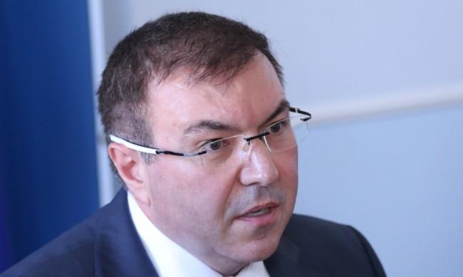 Ангелов преброи 700 млн. лв. дългове на болниците у нас