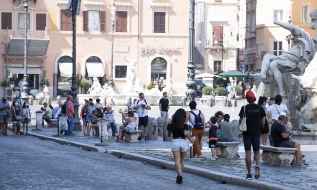 Италия удължи мярката за 14-дневна карантина за идващи от България