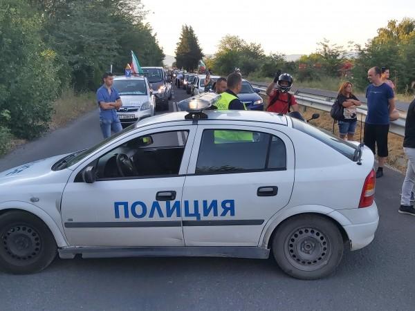 """Полицията не позволи блокирането на автомагистрала """"Тракия"""" от протестиращи в"""