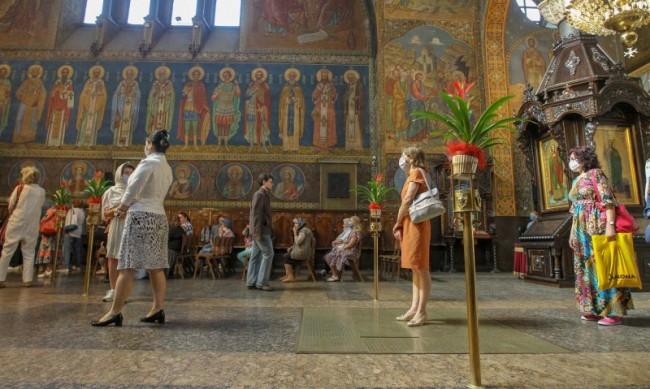 За православните християни започват богородичните пости