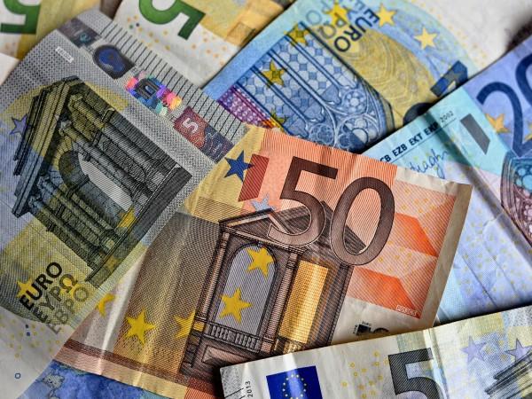 Брутният вътрешен продукт на Еврозоната през второто тримесечие падна с