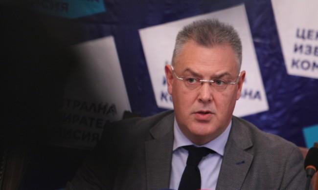 Няма забавяне с поръчката за машинно гласуване, заявиха от ЦИК