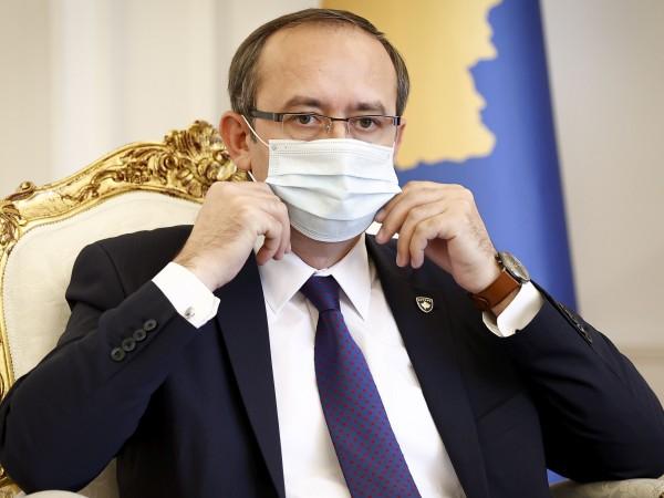 Премиерът на Косово Авдулах Хоти е заразен с коронавирус, като