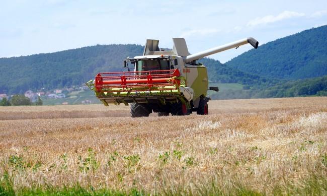 Тежка година за земеделците, нов на данък означавал фалити