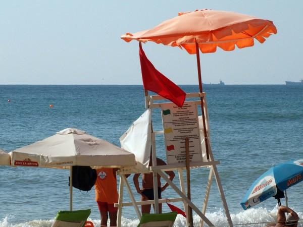 В края на юли и началото на август червеният флаг