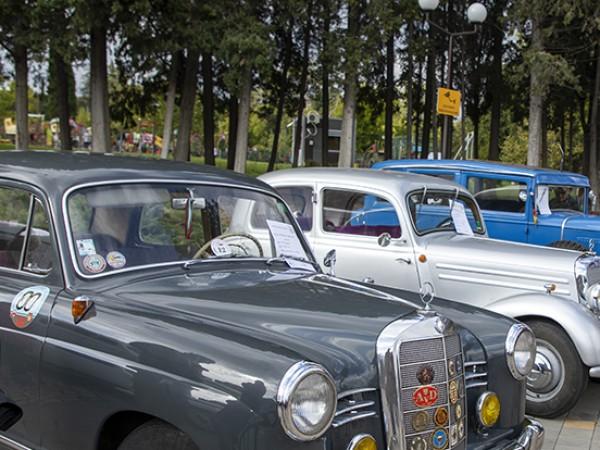 """""""Форд"""" от 1920-а, """"Шевролет"""", произведен през 1923 година, и други"""