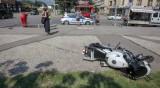 Мотористът, катастрофирал с автобуса, е с откъсната ръка и фрактури
