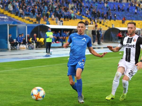 Младата звезда на Левски Станислав Иванов може да продължи кариерата