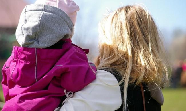 Над 600 български деца осиновени в чужбина за 2,5 г.