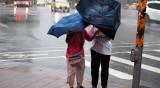 Тайфунът Хагупит връхлетя източното крайбрежие на Китай