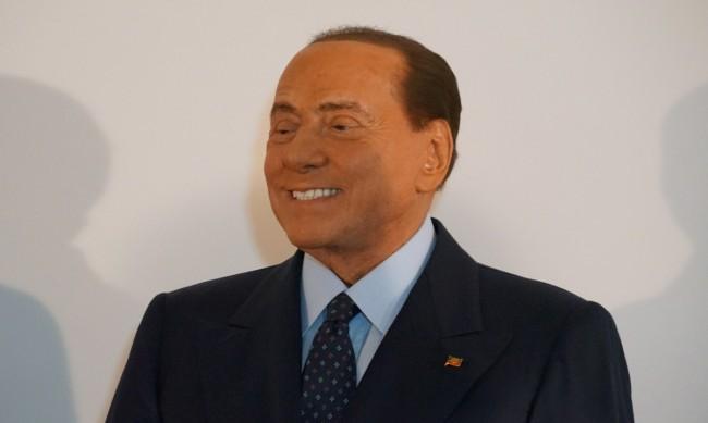 Най-малкият син на Берлускони стяга сватба
