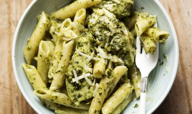 Рецептата Dnes: Паста с пилешко, песто и пикантен вкус