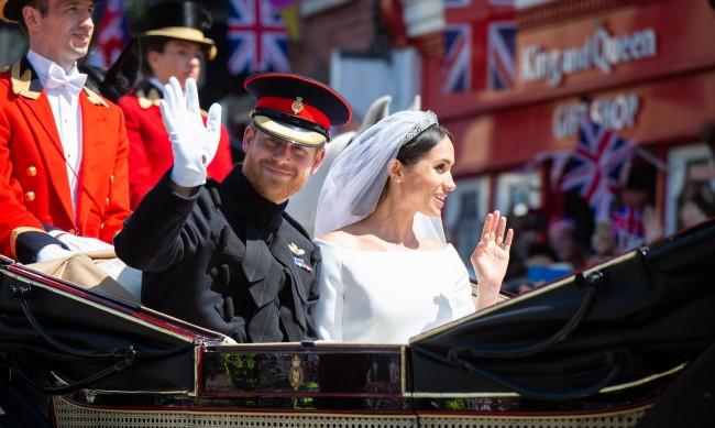 Спорът за сватбената тиара на Меган Маркъл - в новата книга за нея