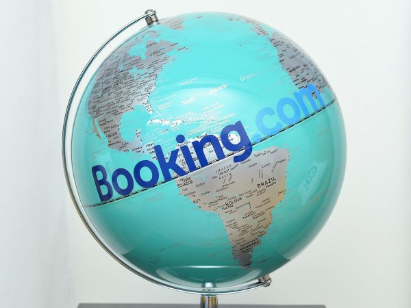 Booking Holdings е поредната компания за онлайн резервации за настаняване