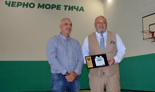 Кралев откри ремонтираната зала по баскетбол във Варна
