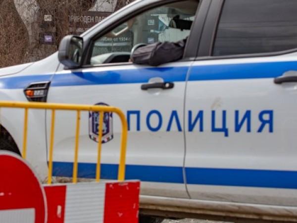 29-годишен мъж е бил прострелян след гонка край село Петърч.