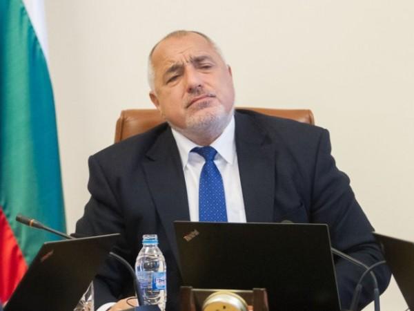 Министър-председателят Бойко Борисов разпореди да се отворят стадионите за публика