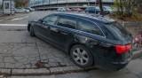 Жена намери колата си с развити болтове на предната гума