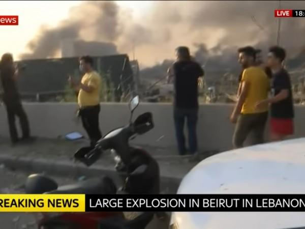 Има загинали и ранени при мощните експлозии, разтърсили днес пристанището